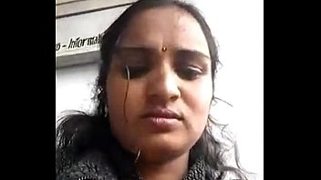 Beautiful Indian Girl With Lovely Lips And Boobs