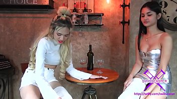 2 Girls With Long Cast Legs In Restaurant LCL HD+